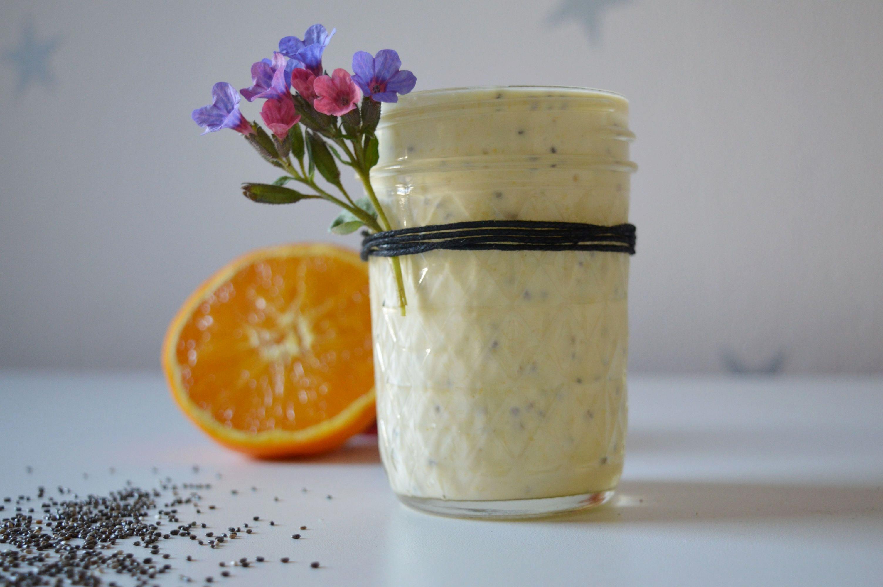 Sos jogurtowo pomarańczowy w wersji fit do sałatki
