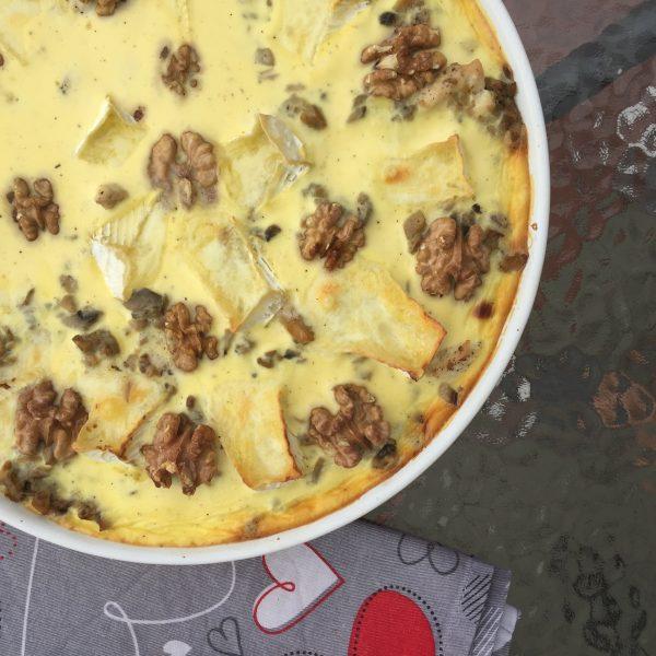 Tarta z kurczakiem, serem camembert i orzechami włoskimi