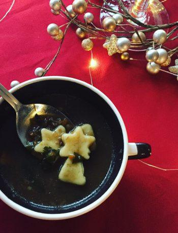 zupa grzybowa ze świątecznym domowym makaronem