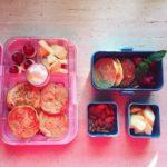 pomysły na lunchbox dla dzieci Roześmiane racuchy jabłkowe